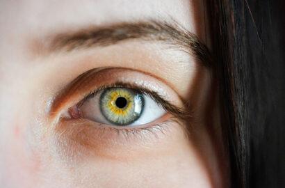 Jak wybrać nawilżające krople do oczu