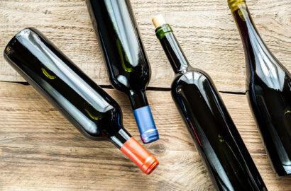 Jak wybrać butelki dla gości weselnych