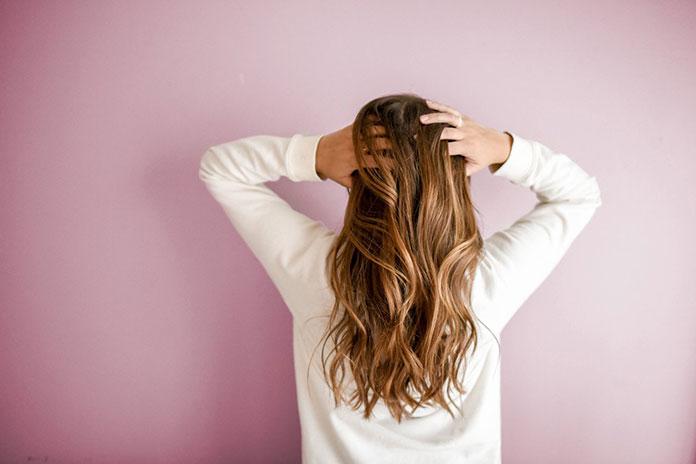 Jak pielęgnować naturalne systemy włosów